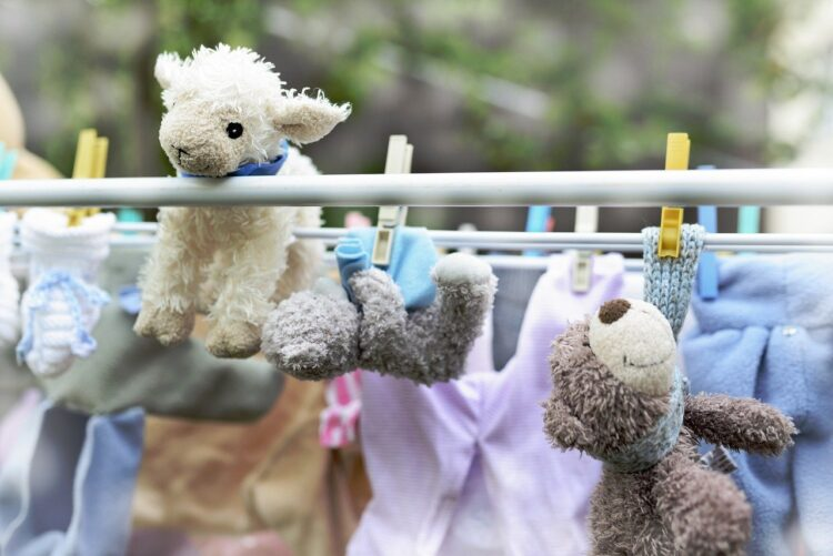 methods of cleaning soft toys